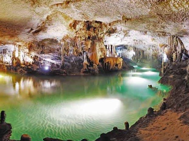 Bcharre-Qadisha-Grotto