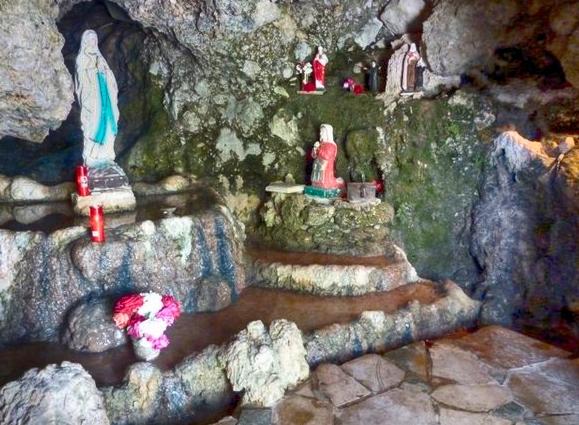 Lebanon-grotto